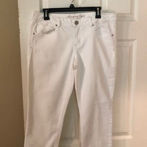 American Eagle white jeans size 14